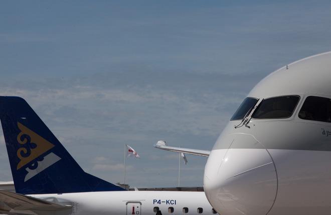 Embraer продаст гражданские самолеты компании Boeing