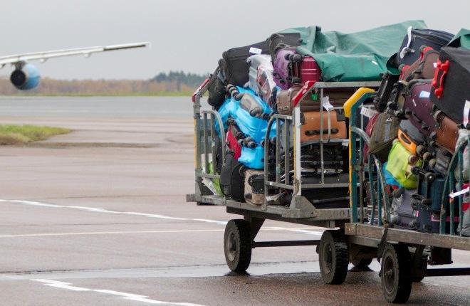 Подвоз багажа к самолету