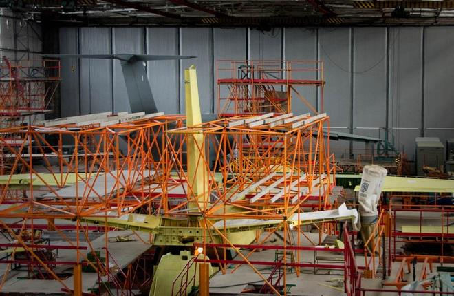 Фюзеляж Ан-132 состыковали с крылом и оперением