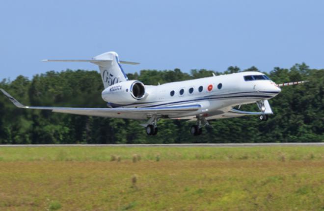 Бизнес-джет Gulfstream G500 совершил первый полет