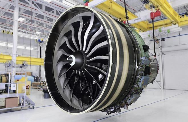 один из первых серийных двигателей GE9X