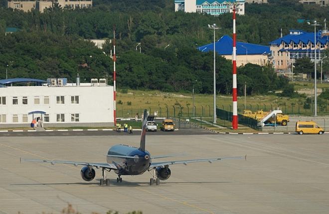 В аэропорту Геленджика приступили к ремонту рулежной дорожки