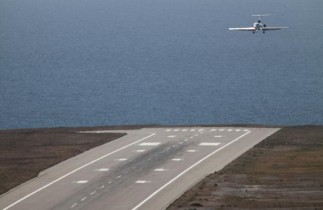Аэропорт Геленджика досрочно возобновил прием самолетов