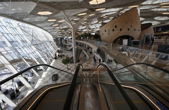 Пассажиропоток аэропорта Баку увеличился на 34%