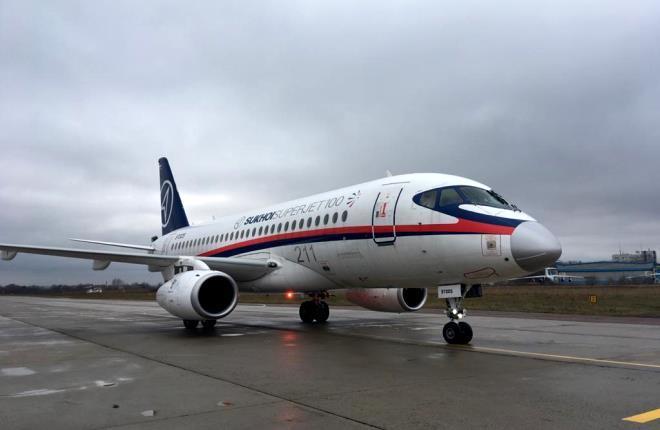 Самолет Superjet 100