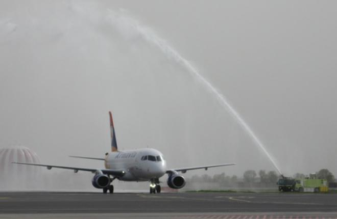Первый юбилей самолет Sukhoi Superjet 100 :: ATO.ru