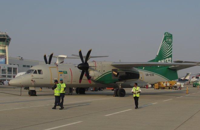 ФОТО: Самолеты Ан-132 и Ан-70 на Dubai Airshow 2017