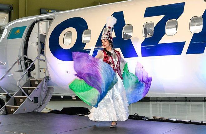 Qazaq Air получает самолет Bombardier Q400
