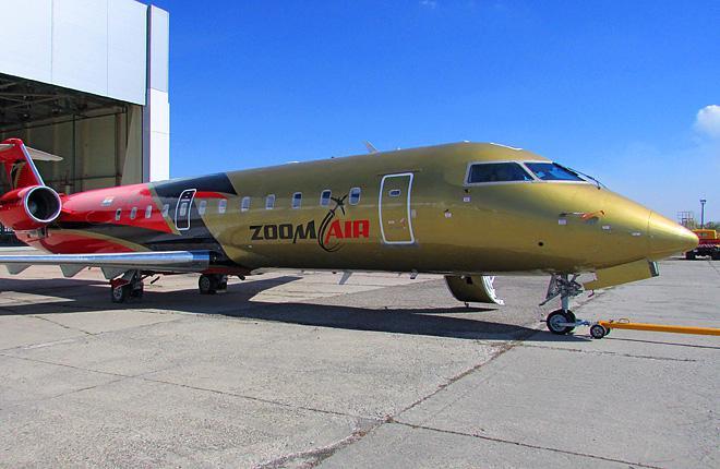 "Холдинг ""Инжиниринг"" покрасил CRJ200 индийской авиакомпании Zoom Air"