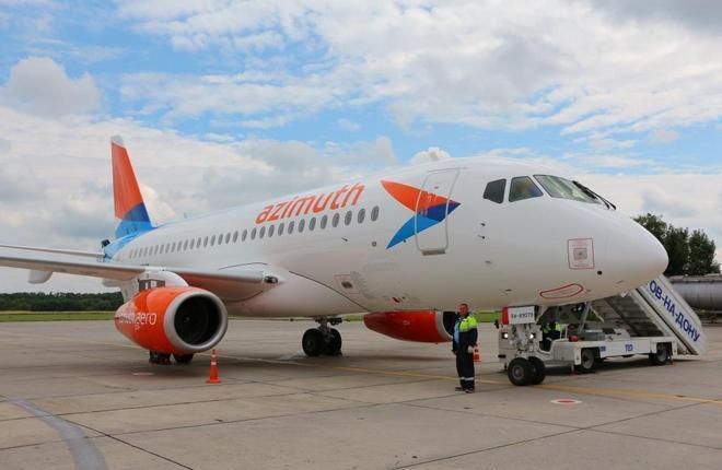 """Авиакомпания """"Азимут"""" начнет летную программу с Москвы"""