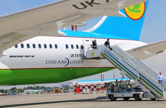 Самолет Boeing 787-8 авиакомпании Uzbekistan Arways