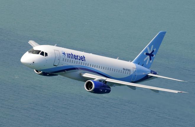Самолет SSJ 100 авиакомпании Interjet