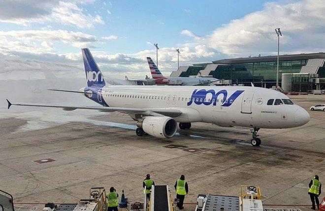 Самолет авиакомпании Joon