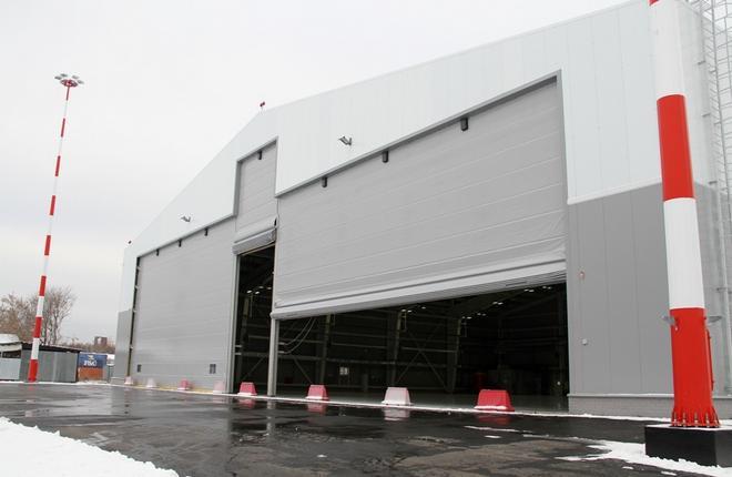 Ангар для самолетов деловой авиации в аэропорту Екатеринбурга Кольцово