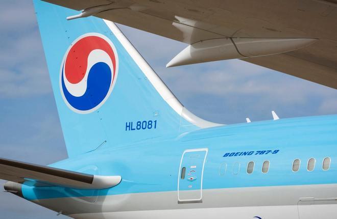 киль самолета авиакомпании Korean Air