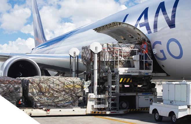 Ускорение мирового спроса на грузовые авиаперевозки побило годовой рекорд