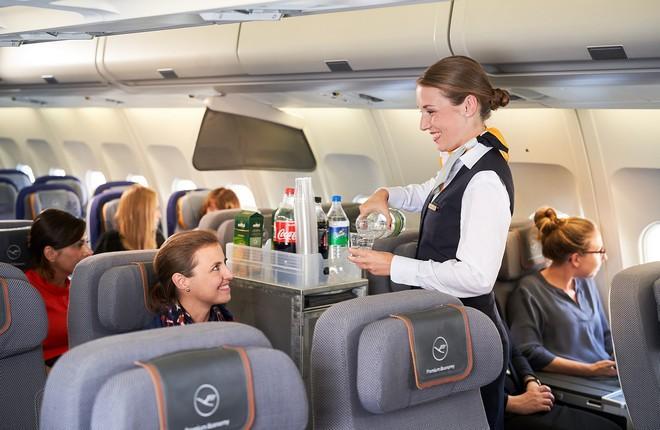 На борту самолета Lufthansa