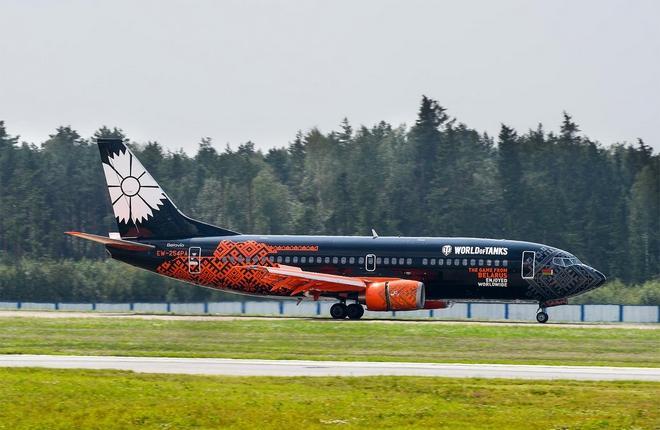 "Самолет Boeing 737-300 авиакомпании ""Белавиа"""