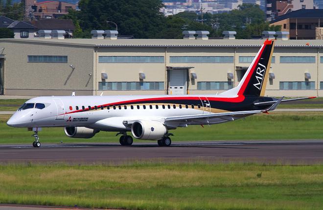 Самолет MRJ90