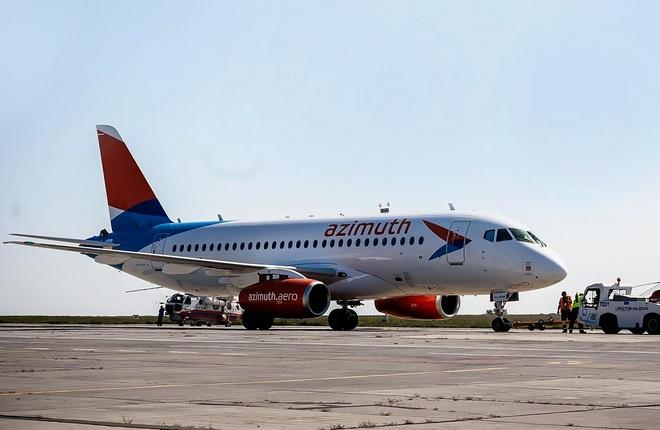 """Авиакомпания """"Азимут"""" получила четвертый SSJ 100"""