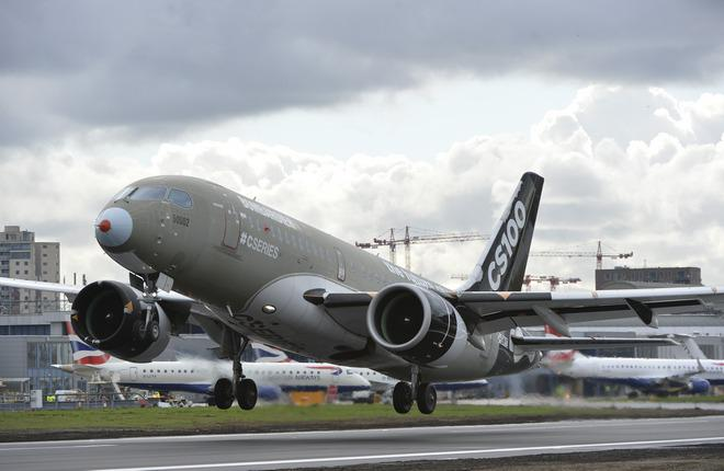 Самолет CS100 испытали на посадку по крутой глиссаде в Лондоне