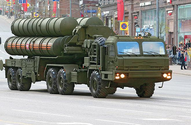 New S-400 SAM system  at the military parade in Moscow
