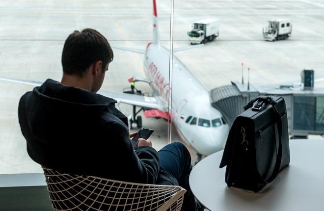 Пассажир в аэропорту Симферополя