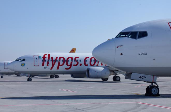 Самолеты Boeing 737 авиакомпании Pegasus Airlines