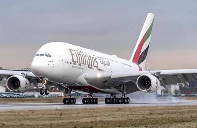 самолет Airbus A380 Emirates