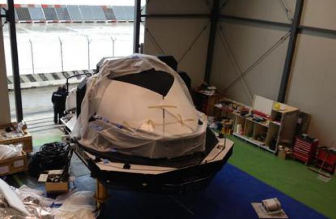 Полнопилотажный тренажер самолета Sukhoi Superjet 100 поставлен в Венецию