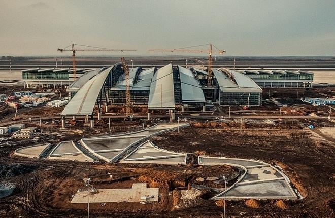 Процесс строительства терминала в Платове