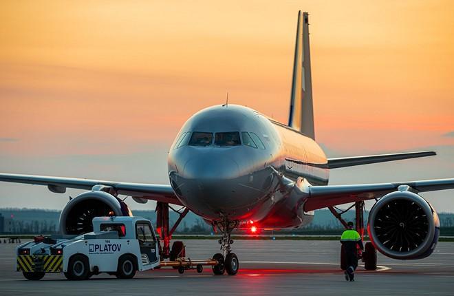 самолет в аэропорту платов