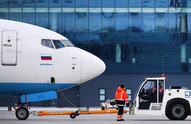 Самолет бюджетной авиакомпании «Победа» в аэропорту Гагарин