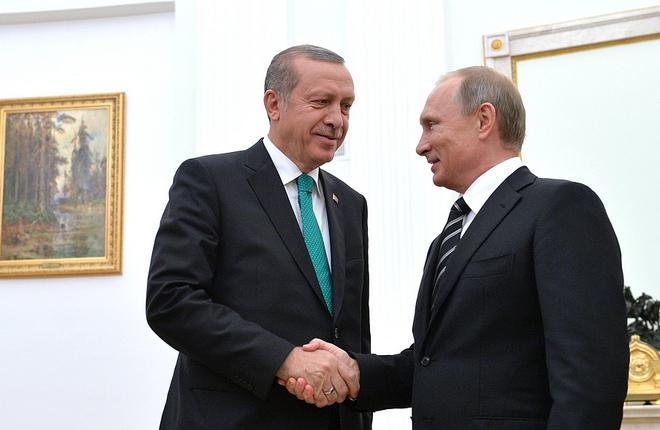 Путин анонсировал снятие запрета на туристические поездки в Турцию