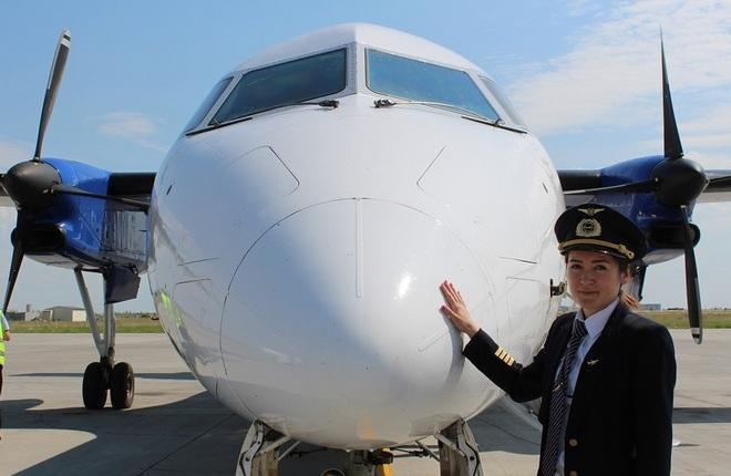 """самолет Dash 8 авиакомпании """"Якутия"""""""