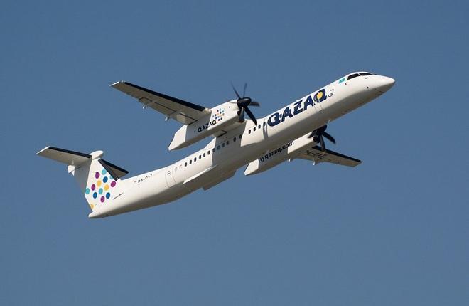 самолет казахстанской авиакомпании Qazaq Air