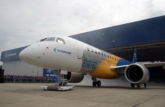 В Бразилии показали первый прототип самолета Embraer E190-E2