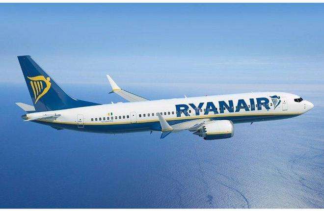 самолет Boeing 737MAX лоукост авиакомпании Ryanair