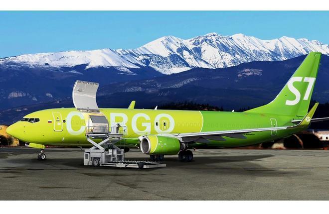 самолет  Boeing 737-800BCF авиакомпании S7 Airlines