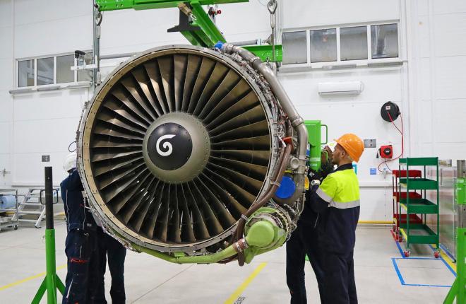 Специалисты S7 Technics обслуживают мотор CFM56