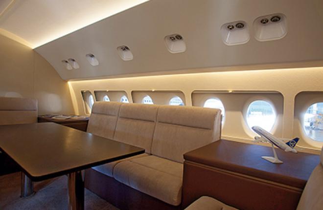 Один из первых вариантов VIP-салона самолета Sukhoi Superjet 100 (SSJ 100)