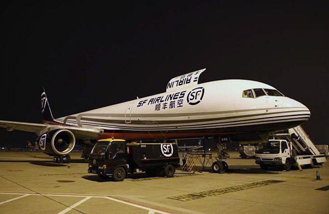 В Китае появится крупнейший в Азии грузовой аэропорт