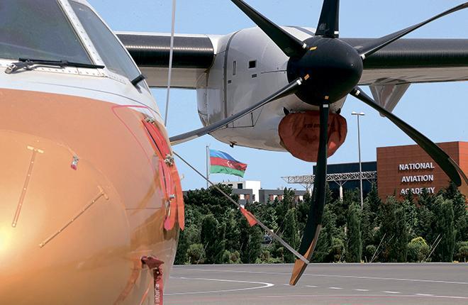 в парке Silk Way Bussines Aviation есть уникальный ATR 42-50, рассчитанный на перевозку 16 пассажиров // Silk Way Bussines Aviation