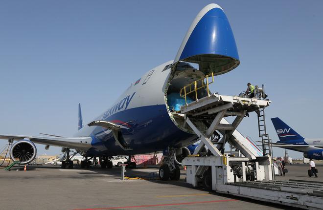 Самолет Boeing 747-8F авиакомпании Silk Way West Airlines