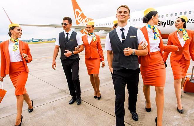 Бортпроводники авиакомпании SkyUp