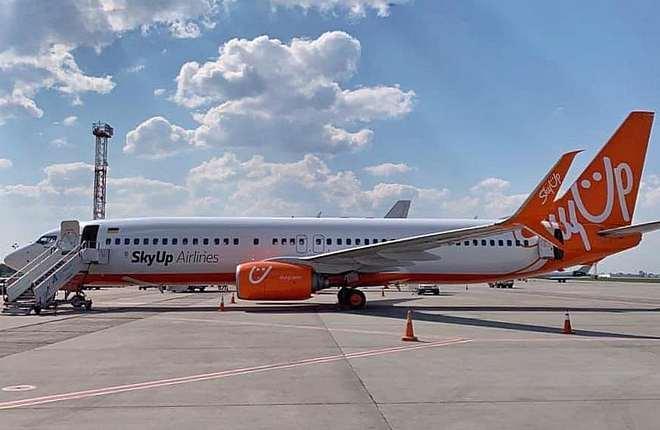 Boeing 737-800 украинской авиакомпании SkyUp Airlines