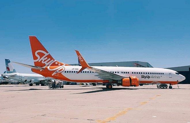 SkyUp Boeing 737-800 UR-SQG
