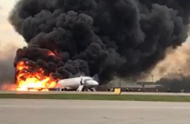 пожар самолета Superjet 100 в Шереметьево