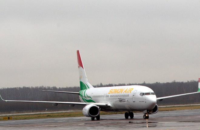 Самолет Boeing 737 авиакомпании Somon Air