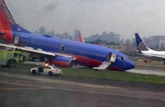 Самолет Boeing 737 авиакомпании Southwest Airlines совершил аварийную посадку в